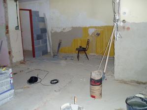 pôvodný stav resp. proces rekonštrukcie kúpelne do súčasnej podoby - pohľad z kuchyne
