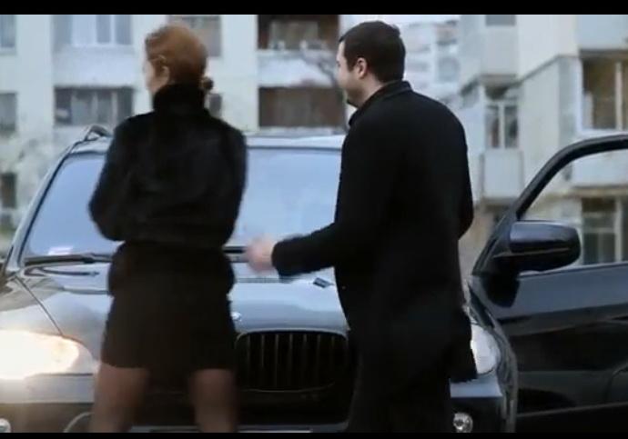 http://diva.aktuality.sk/video/41421/toto-video-ukazuje-ako-peniaze-menia-cloveka-zaver-videa-vas-jednoducho-dostane/ - čo dokážu šaty a fáro :-) ... kde je úprimná láska ? - Obrázok č. 1
