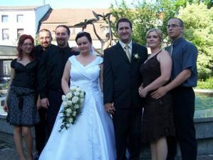Naši priatelia a svadobčania