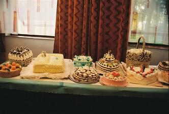 Naše svadobné tortičky, mňam,mňam boli veľmi dobré..