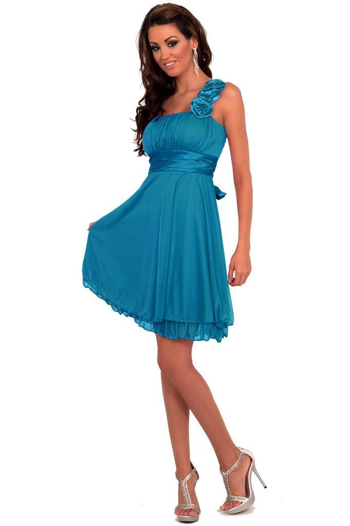 Máte tieto spoločenské šaty  - - Spoločenské šaty... 06ad545218e