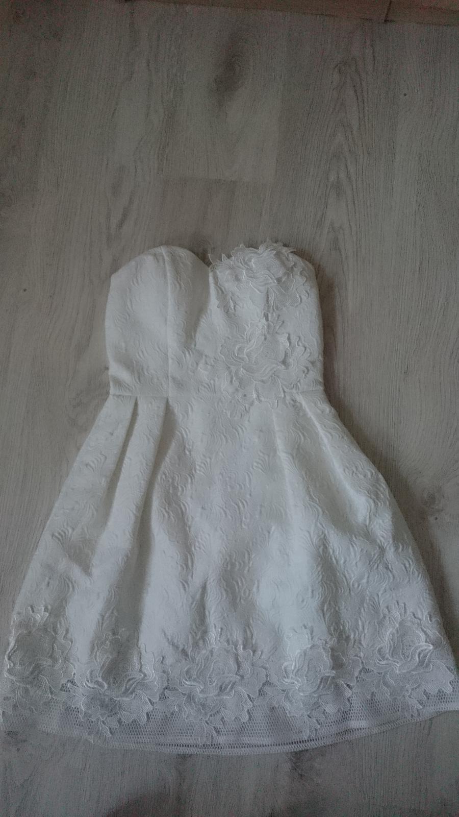 Chi chi šaty - Obrázok č. 1