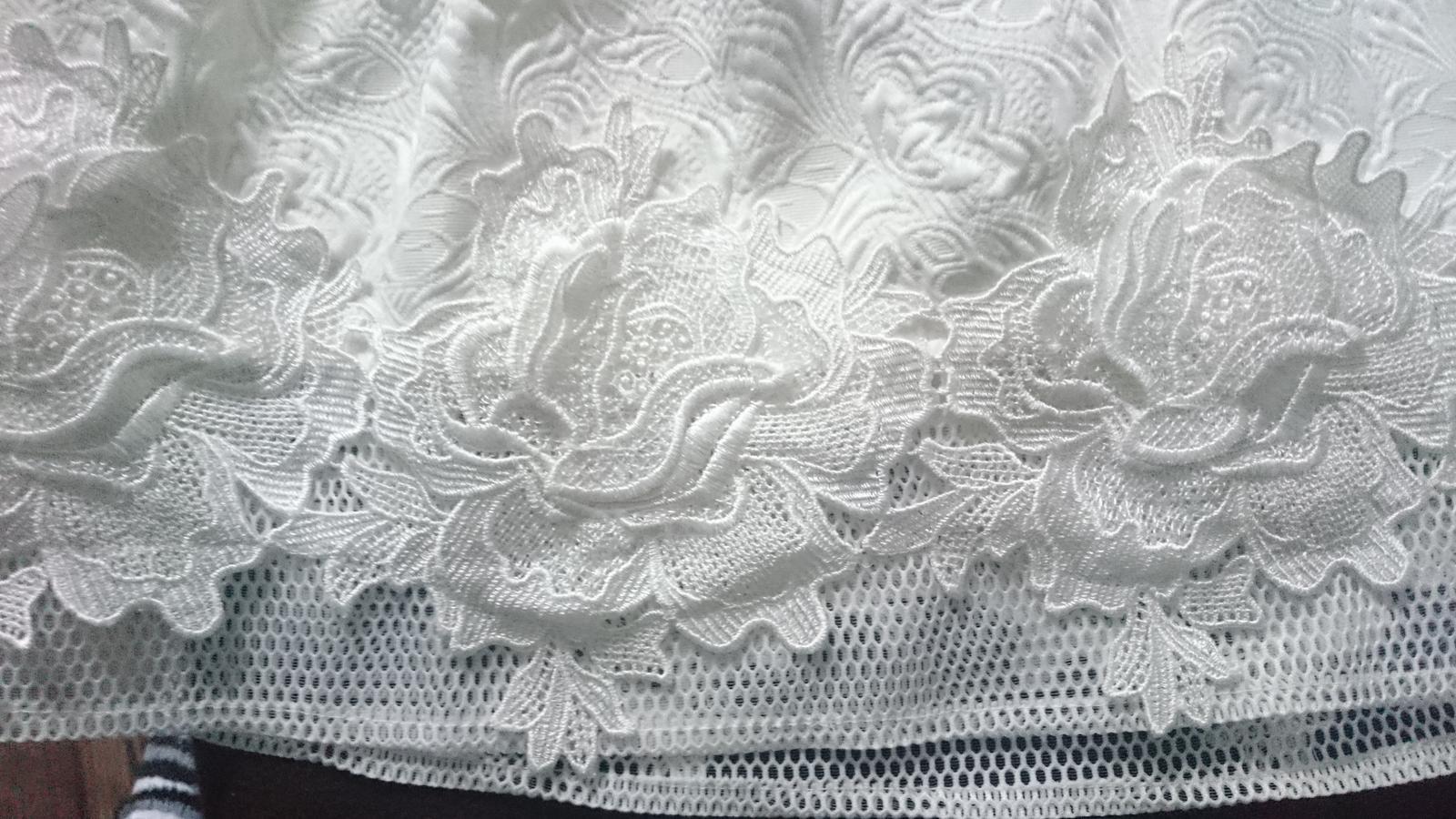 Chi chi šaty - Obrázok č. 4