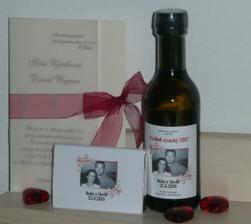 svatební víno ,čokoládky a oznámení