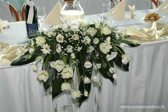 Krásna výzdoba svadobného stola, na 80% to budú tulipány