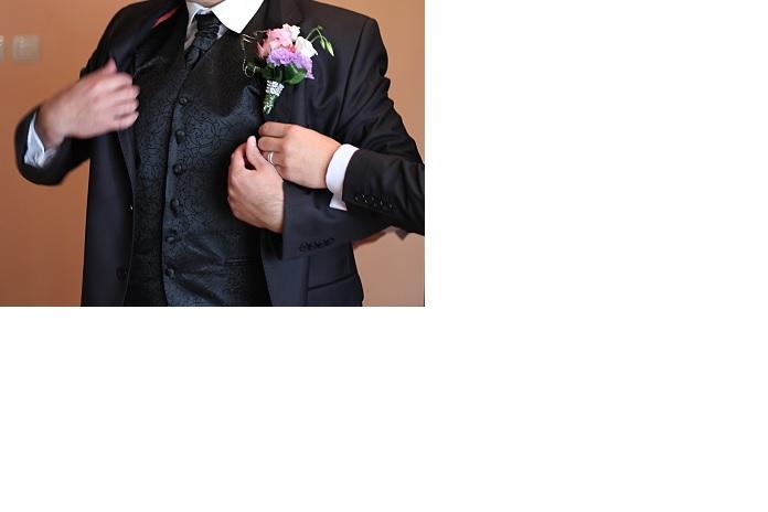 Netradičná svadobná vesta - Obrázok č. 1