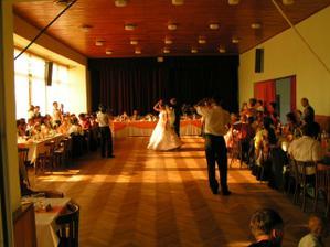 Naš prvý tanec...
