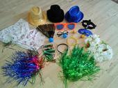 Rekvizity, klobouky, čelenky,