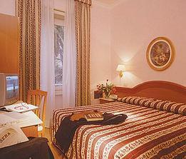 zamluveny hotel v Rime na svatebni cesticku