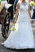 Svadobné šaty s čipkou (farba ivory), 36