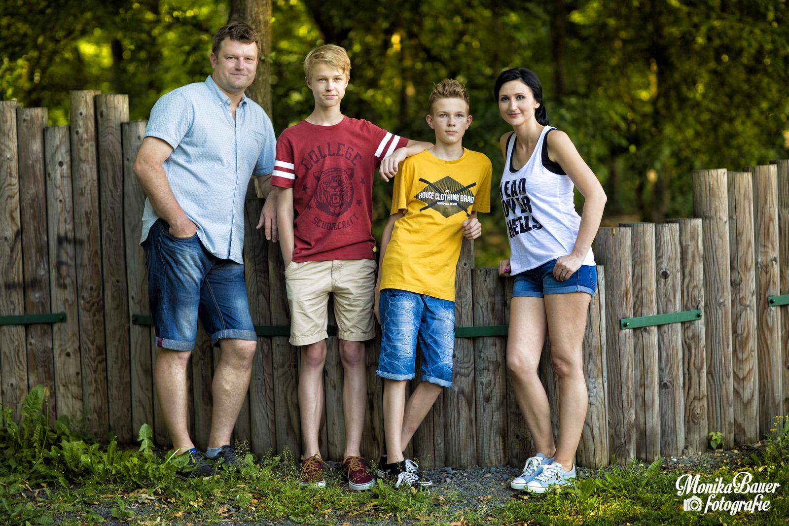 Předsvatební focení - Barča, Pavel, Jirka a Filip - Obrázek č. 5