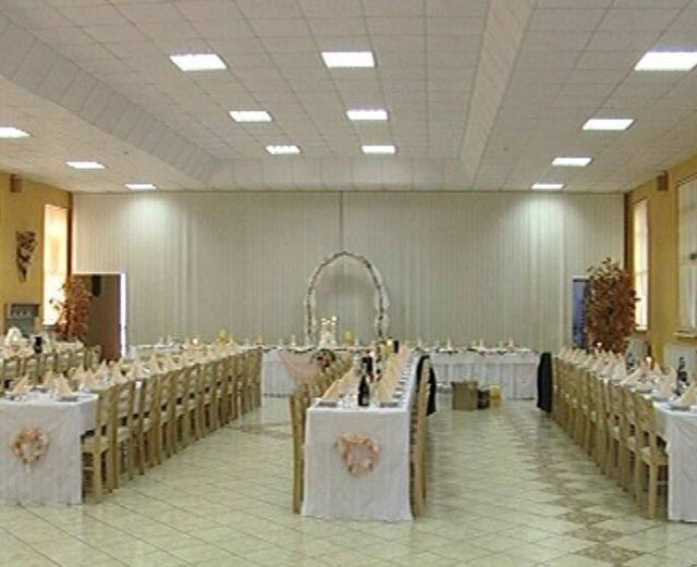 24.4.2010 - v tejto sale bude hostina