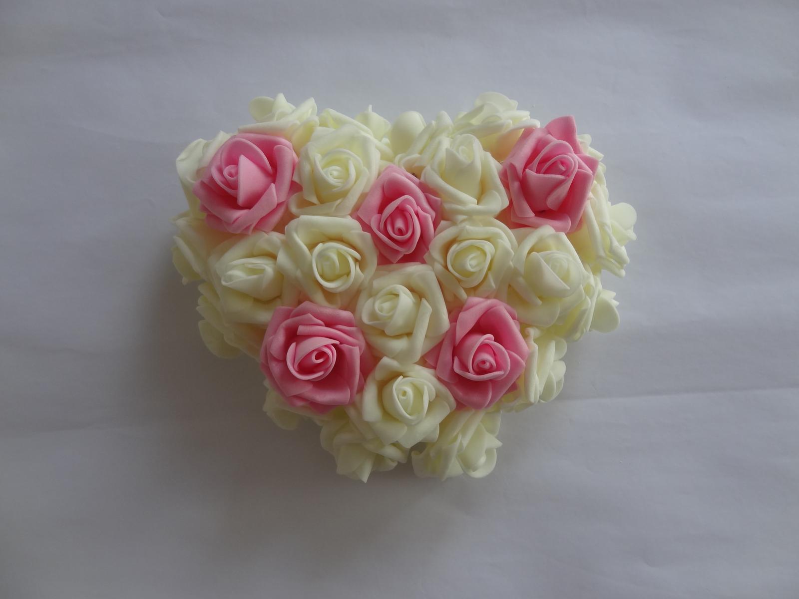 Srdíčko z pěnových růží - Obrázek č. 1