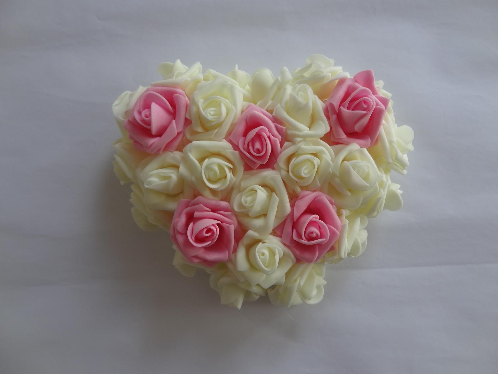 Srdíčko z pěnových růží - Obrázek č. 2