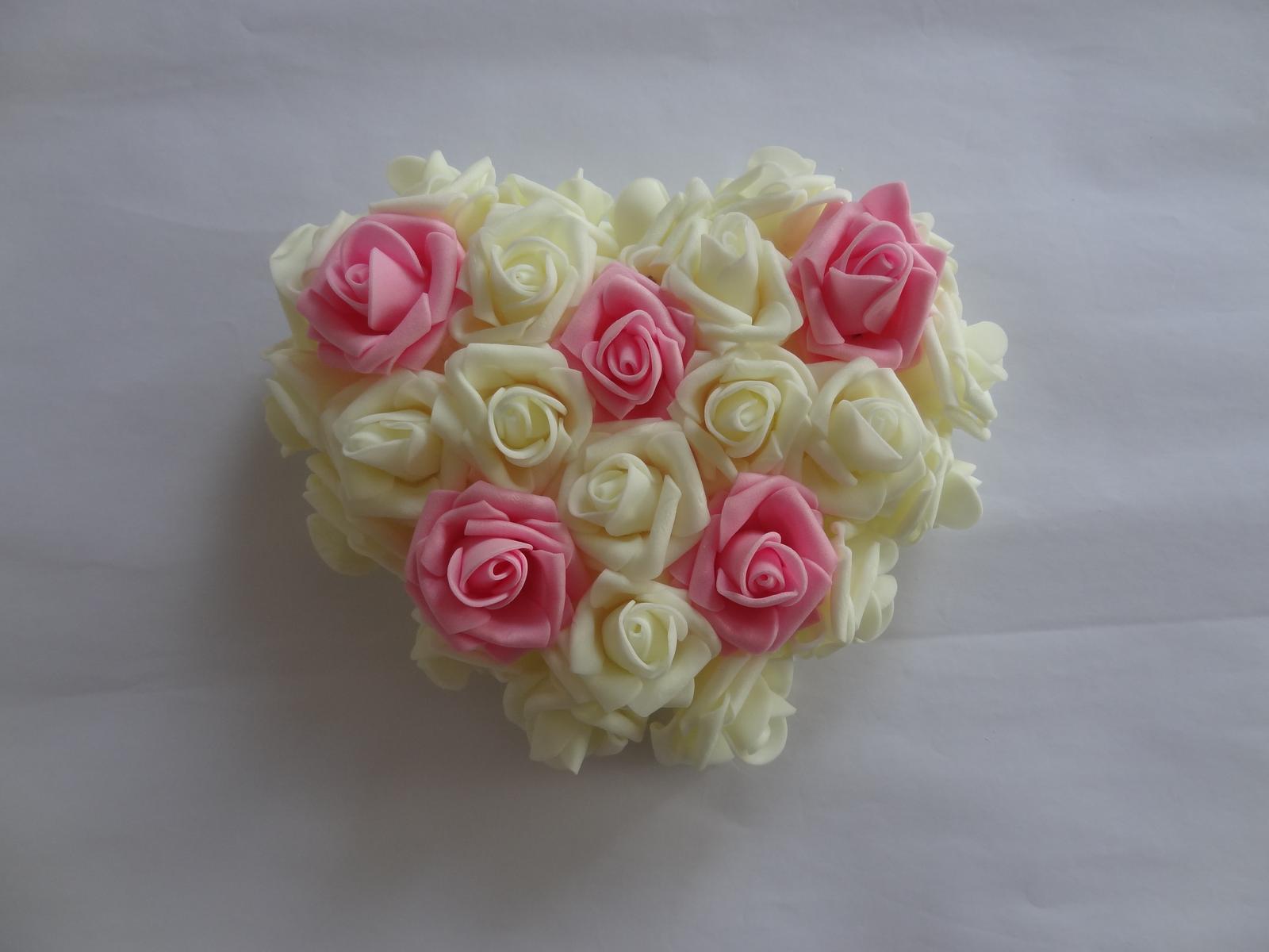 Srdíčko z pěnových růží - Obrázek č. 3