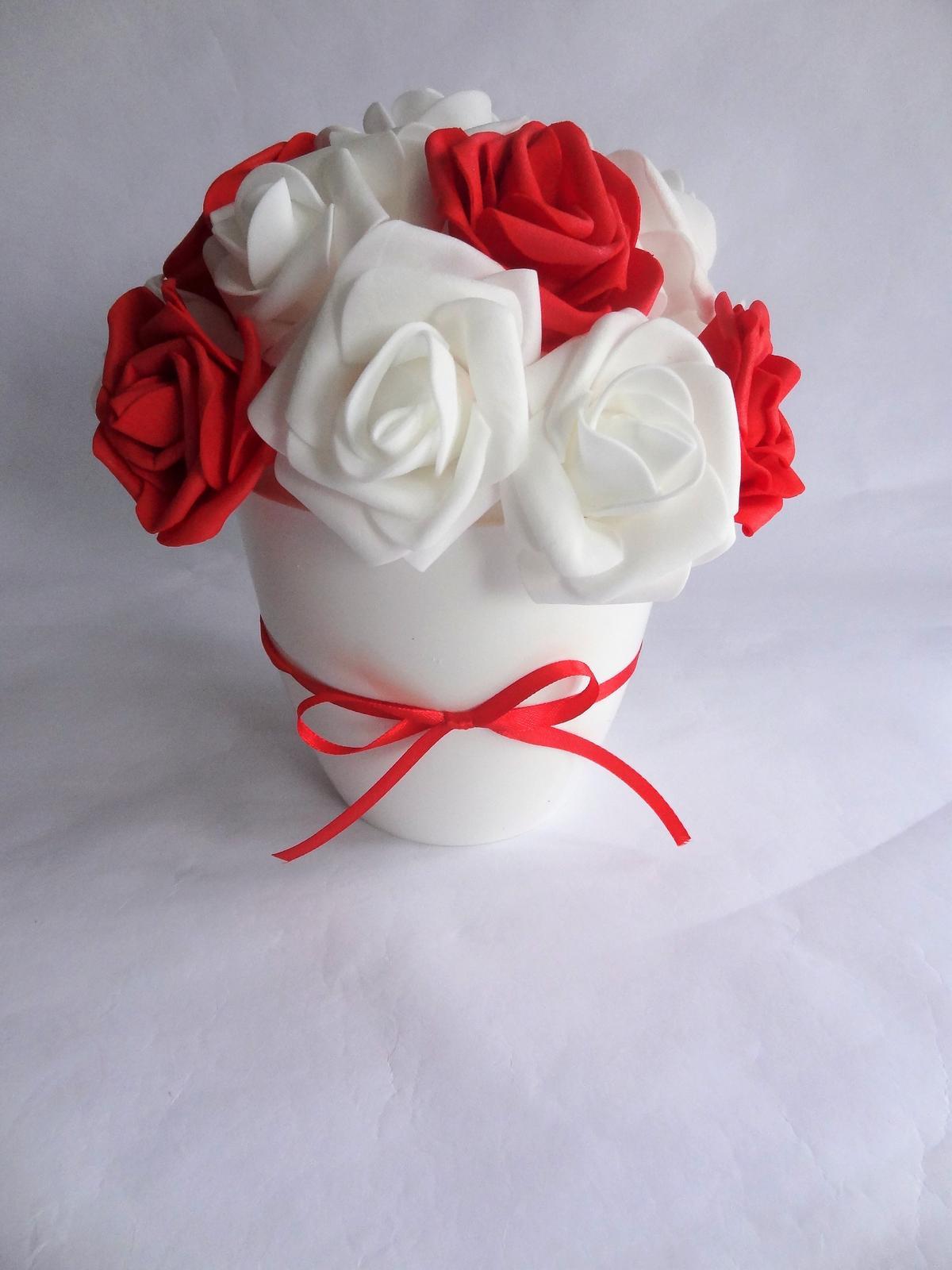 Květina v květináči - Obrázek č. 1