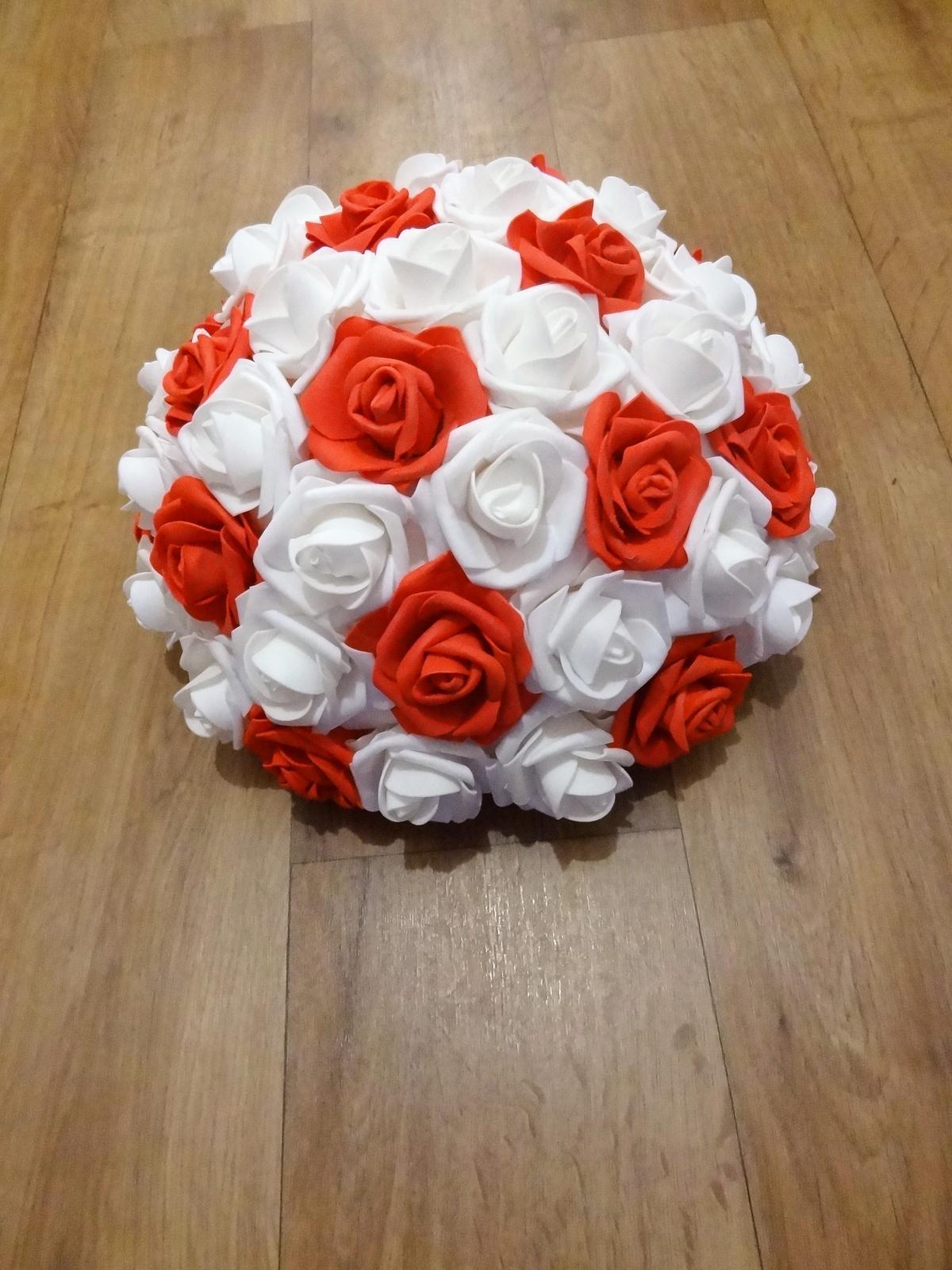 Buket z pěnových růží - Obrázek č. 3