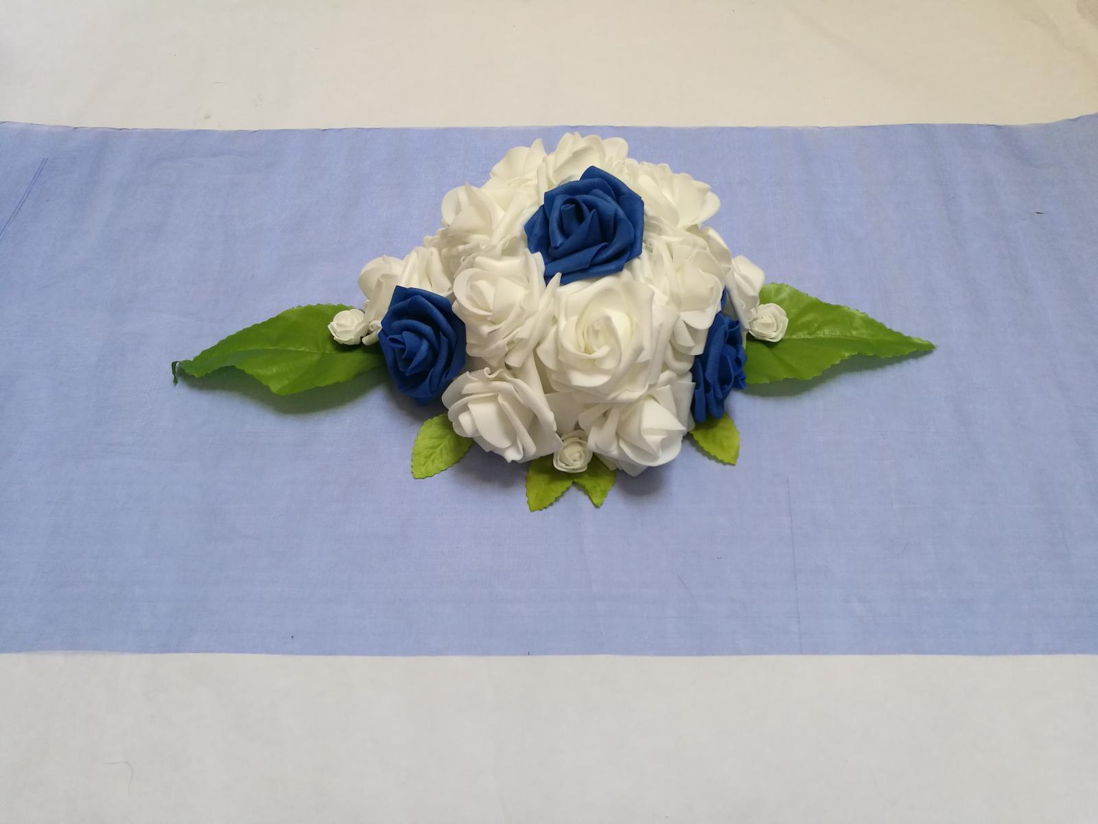 Květina na stůl - Obrázek č. 1