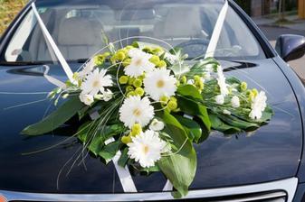 kytice na auto