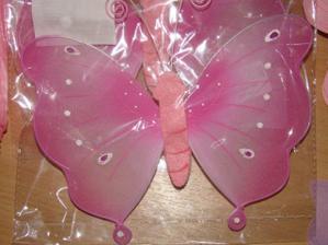 motyle na ukoncenie stolov