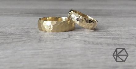 Tak jsou objednané, láska na první pohled - hned jsme věděli,  že chceme tyto ! :) foto půjčené přímo od zlatníka