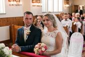 Svadobné šaty plus doplnky, 36