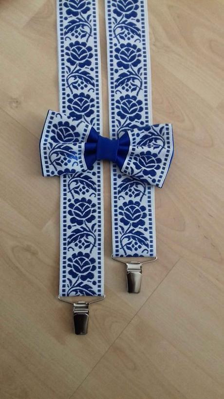 Pánsky motýlik a traky s modrym folklórnym vzorom  - Obrázok č. 1