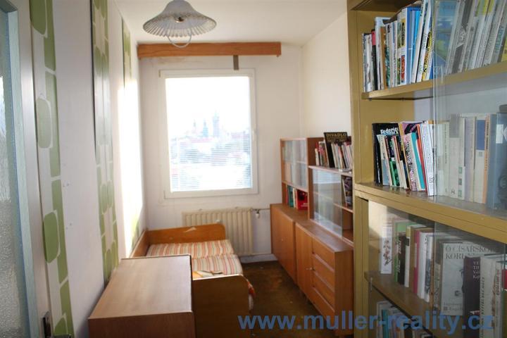 Pokoj č.2 ze kterého bude po vybourání zdi obývací pokoj s průchodem do kuchyně