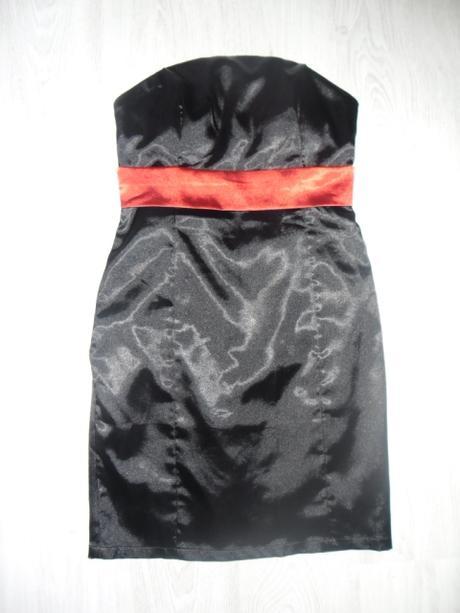 Čierne šaty s červenou stuhou zn. Ever-Pretty  - Obrázok č. 1