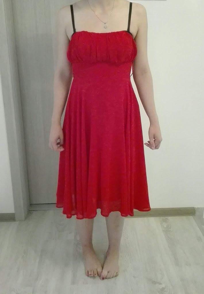 Výrazné červené šaty vel. 36 - Obrázok č. 1