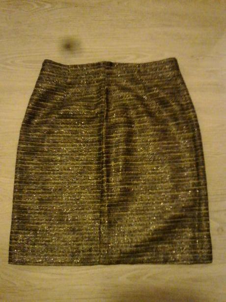 Spoločenská sukňa v. 38/40 zn . H&M - Obrázok č. 1