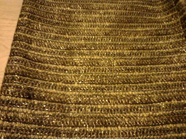 Spoločenská sukňa v. 38/40 zn . H&M - Obrázok č. 2