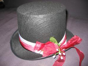 klobouk na auto ženicha