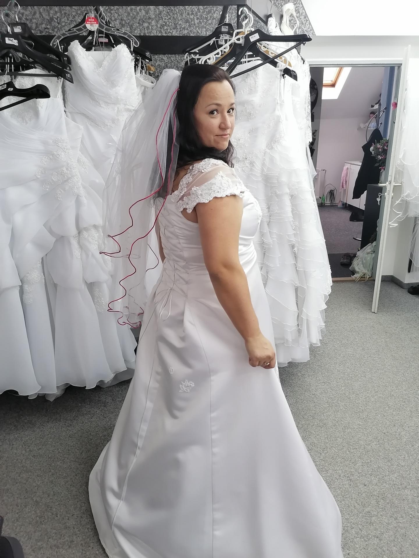 Výběr svatebních šatů - Obrázek č. 1