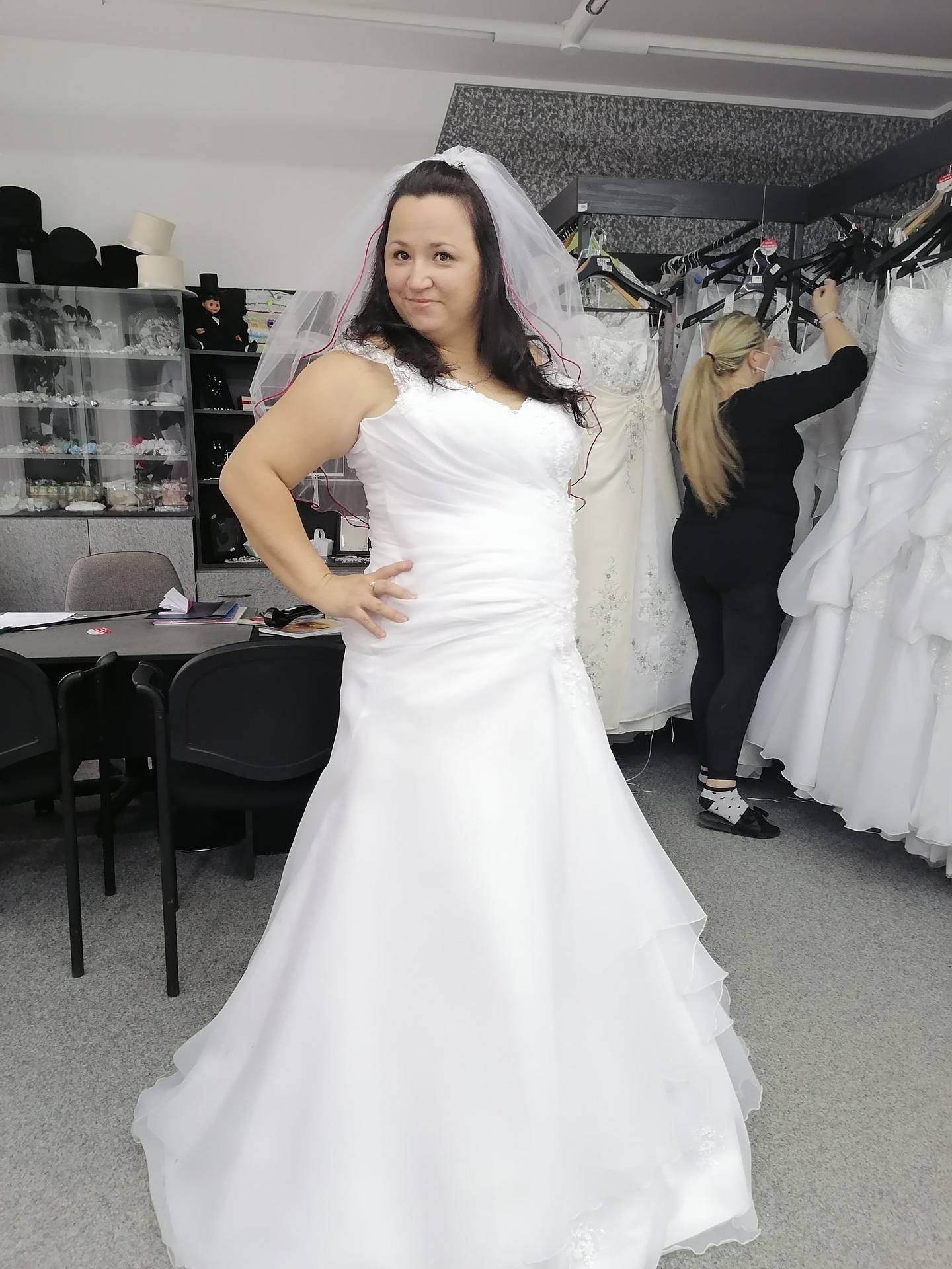 Výběr svatebních šatů - Obrázek č. 3