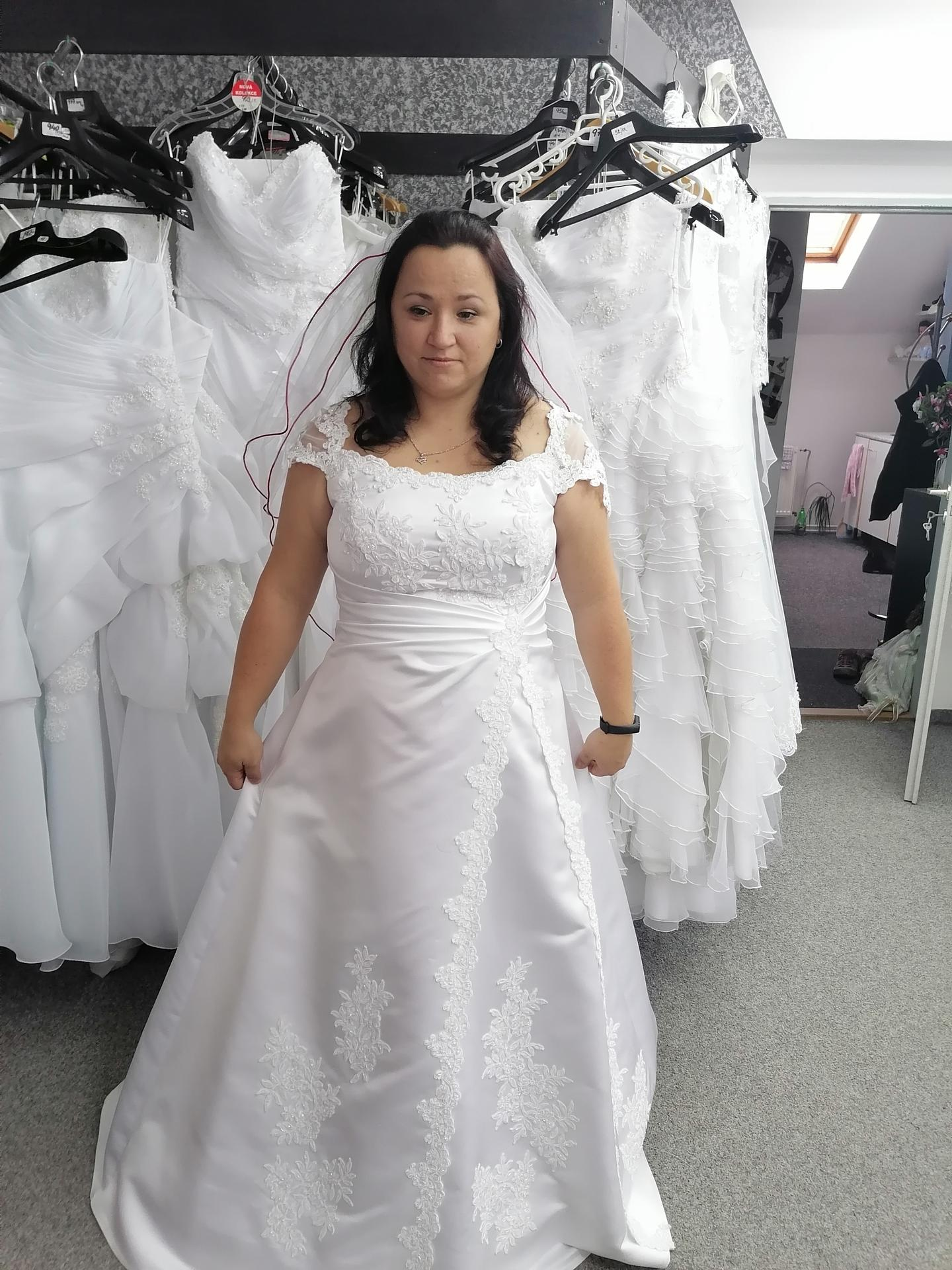 Výběr svatebních šatů - Obrázek č. 2