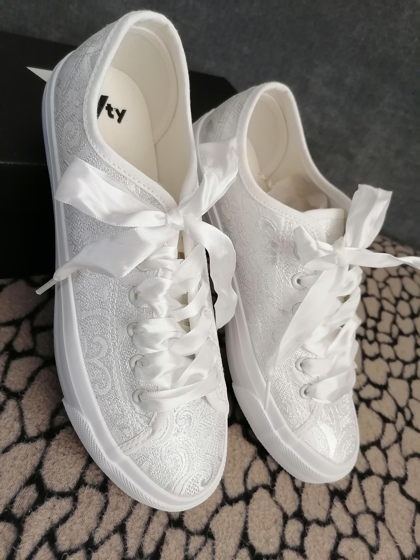 Když se budu vdávat po druhé tak jedině pohodlnou obuv 😉 - Obrázek č. 2