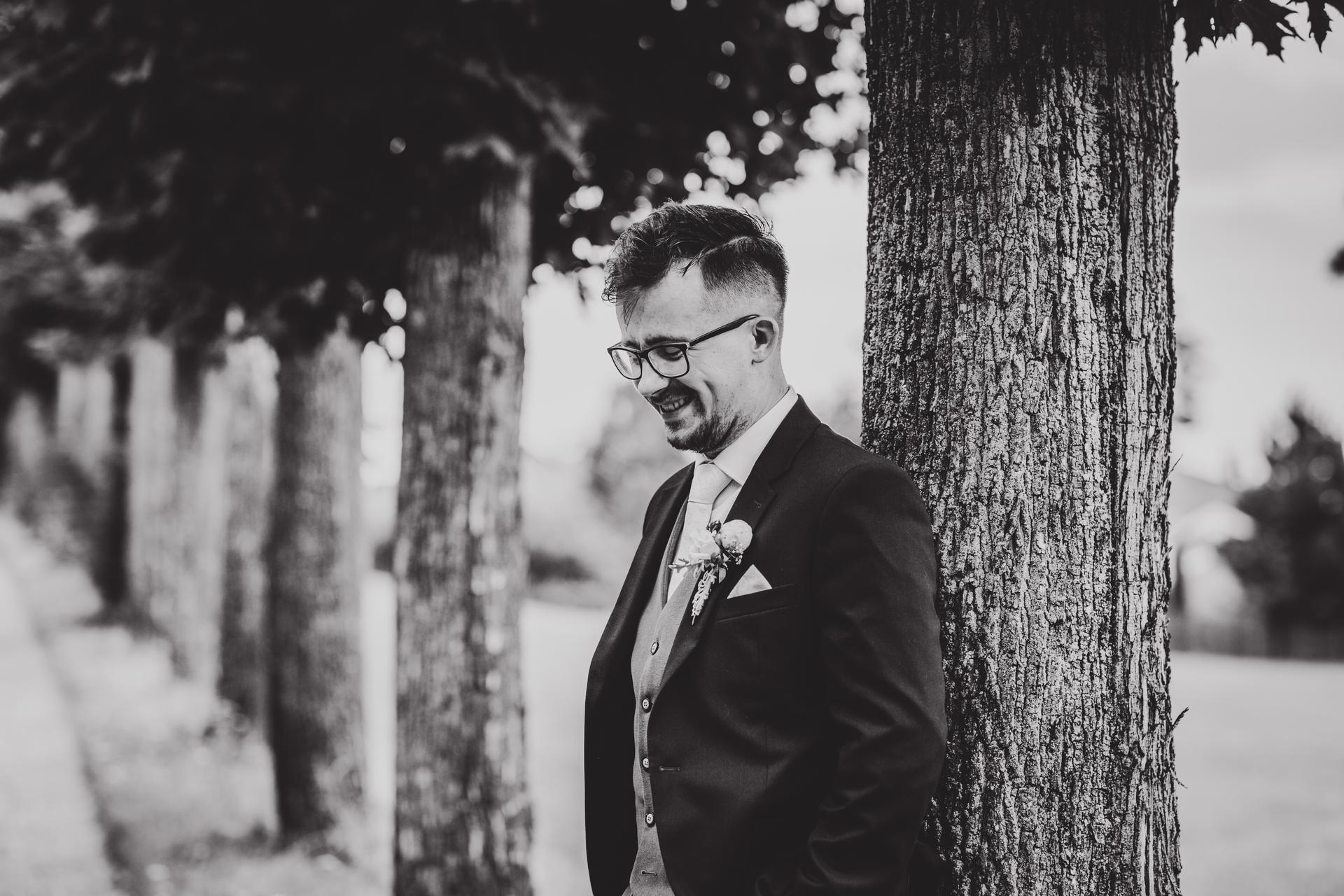 Jsem svatební fotografka a nabízím VOLNÉ termíny 2021! Koukněte na mou práci: https://www.michaelabalazova.cz/svatebni-fotografie/ - Obrázek č. 3