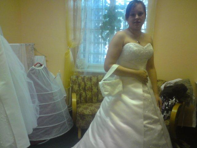 Šaty - Tyhle vybrala maminka, protože stojí jen 2000...