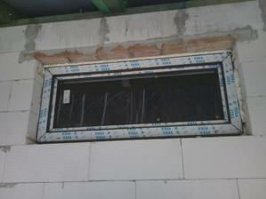 obývačkové okno len vyklápačka