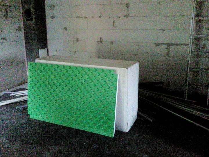 Vnútorné práce - rozvody vody a kúrenie, podlaha - systémové dosky na podlahovku-spiatočku