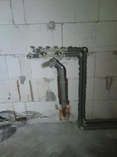 voda v kuchyni pre vodovod a myčku a aj odpad