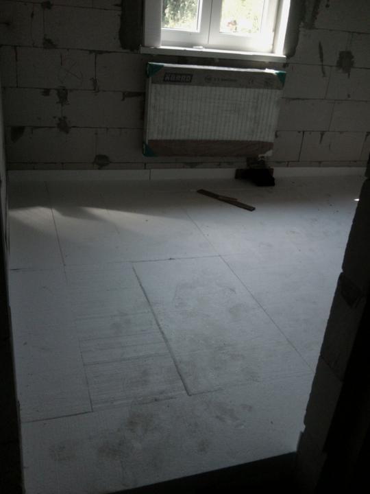 Vnútorné práce - rozvody vody a kúrenie, podlaha - hotovo