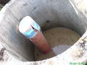 asi 1m nám natiekla voda do studne, teda povrchová, lebo studňu máme 20 metrovú