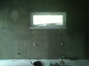 okno v obývačke