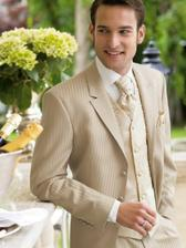 nieco kremove pre moju polovicku... ale bez vesty.. a neviem mozno aj bez kravaty.. on ich rad nenosi.. tak nzeviem ako to vyriesit...:-))))))