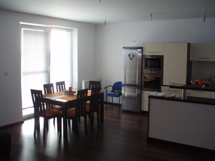 Nas byt - kuchyna + jedalen