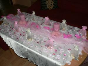 zkouška výzdoby stolů