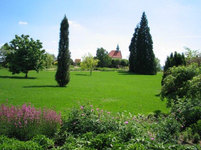Kveten 2010 - Botanicka zahrada v Praze, tady se vezmeme