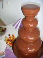 Fontána s mliečnou čokoládou nesmie chýbať :-)